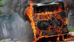 Dəhşətli avtobus QƏZASI: 7 ölü, onlarla yaralı
