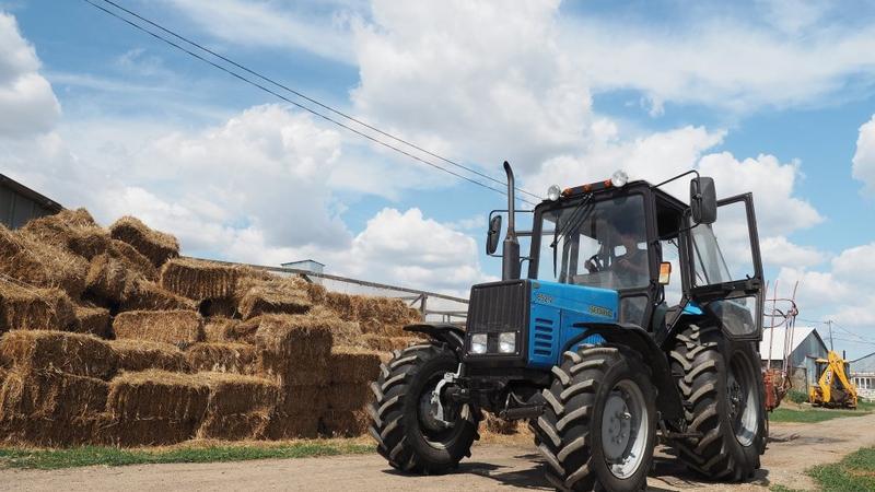 """Traktor sürücüsü """"həkiməm"""" deyib 500 min dollar qazandı - İNANILMAZ HİYLƏ"""