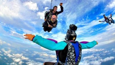 102 yaşlı ən qoca paraşütçü - VİDEO