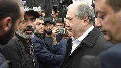 Sərkisyan müxalifət lideri ilə görüşdü - CANLI YAYIM