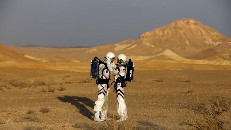 NASA açıqladı: Marsa ilk olaraq qadın gedəcək