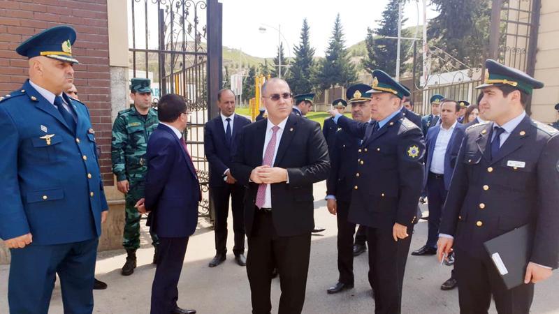 """Səfər Mehdiyev """"Qırmızı Körpü"""" gömrük postunda - FOTO"""