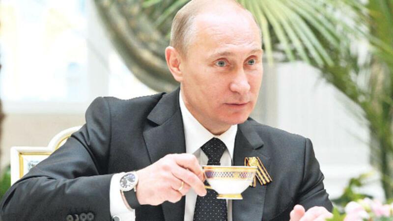 Putinin saatı niyə real zamanı göstərmir? - AÇIQLAMA