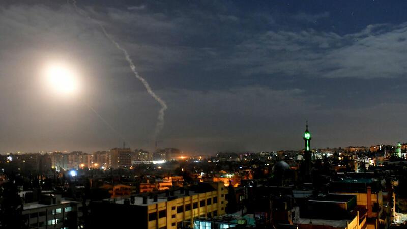 İsrail Dəməşqi raketlərlə vurdu - İran xüsusi təyinatlılarının mövqeləri...