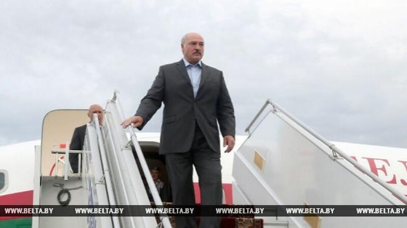 Lukaşenko Azərbaycana gəldi (YENİLƏNDİ)