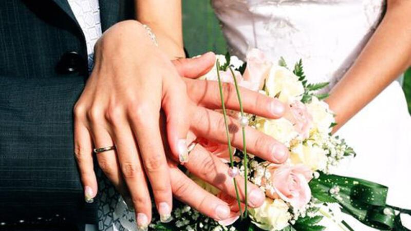 Həkim yeni evlənənlərə müraciət etdi