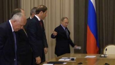 Putin Roqozinə nə göstərdi? - VİDEO